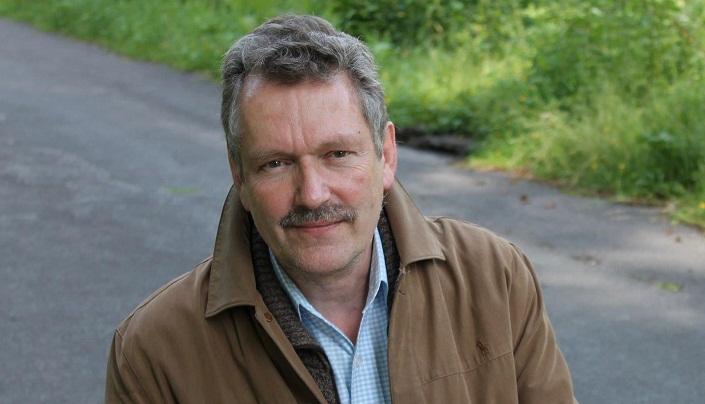 DR WILLEM VAN DER GEEST